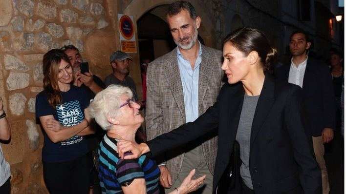 Los Reyes visitan a las familias afectadas por la riada de Sant Llorenç