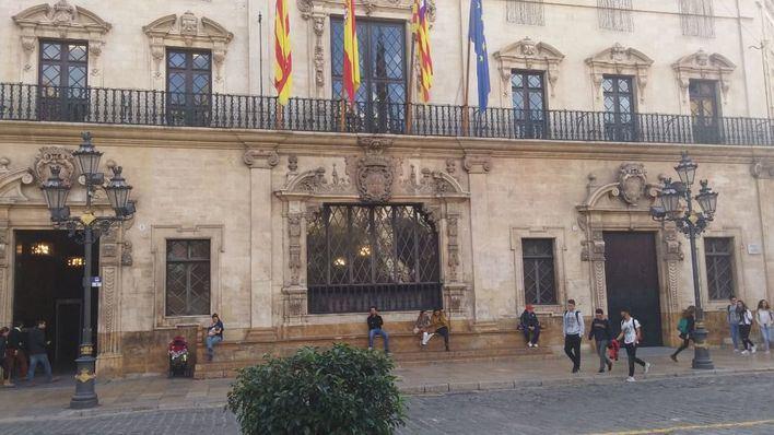 21 ayuntamientos, entre ellos Cort, y el Consell de Mallorca no rinden sus cuentas en el plazo legal