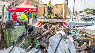 El Programa Mares Circulares recoge más de 3 toneladas de residuos en el Port de Ciutadella