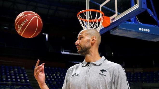 James Augustine confirma su retirada del baloncesto