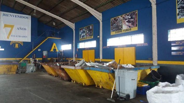 Cierran un almacén ilegal de gestión de residuos peligrosos en Puigpunyent por no tener licencia