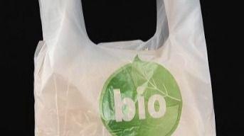 8 de cada 10 españoles pagarían más por usar bolsas biodegradables