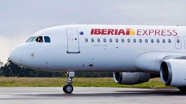 El servicio que garantiza el enlace aéreo entre Mahón y Madrid queda desierto
