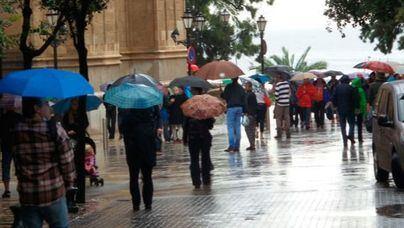 Elevan a nivel naranja máximo la alerta por fuertes lluvias y tormentas en Baleares