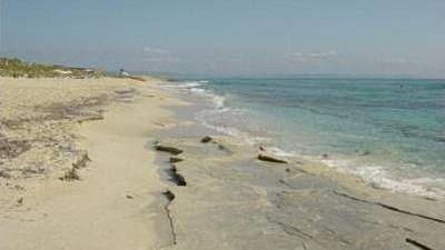 Hallan un artefacto explosivo en una playa de Formentera