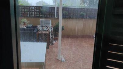 Una tormenta de lluvia y granizo se desploma con fuerza sobre Sóller la tarde del domingo