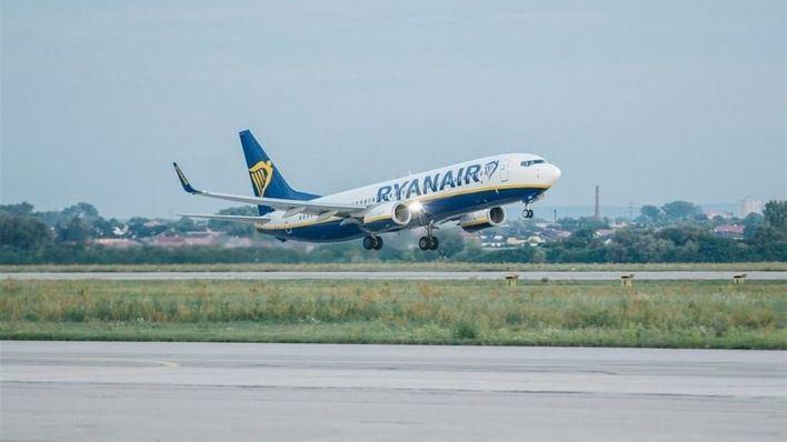 Ryanair solo dejar subir sin pagar una bolsa pequeña a cabina