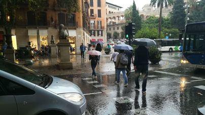 Suben las temperaturas pero sigue la alerta por lluvias y tormentas en norte y este de Mallorca