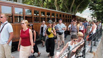 El gasto medio por turista sube a 1.051 euros, pero baja la duración de las estancias a 7 días de media