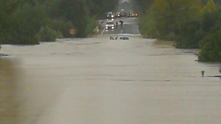 Carretera a Sa Pobla, cortada por la lluvia