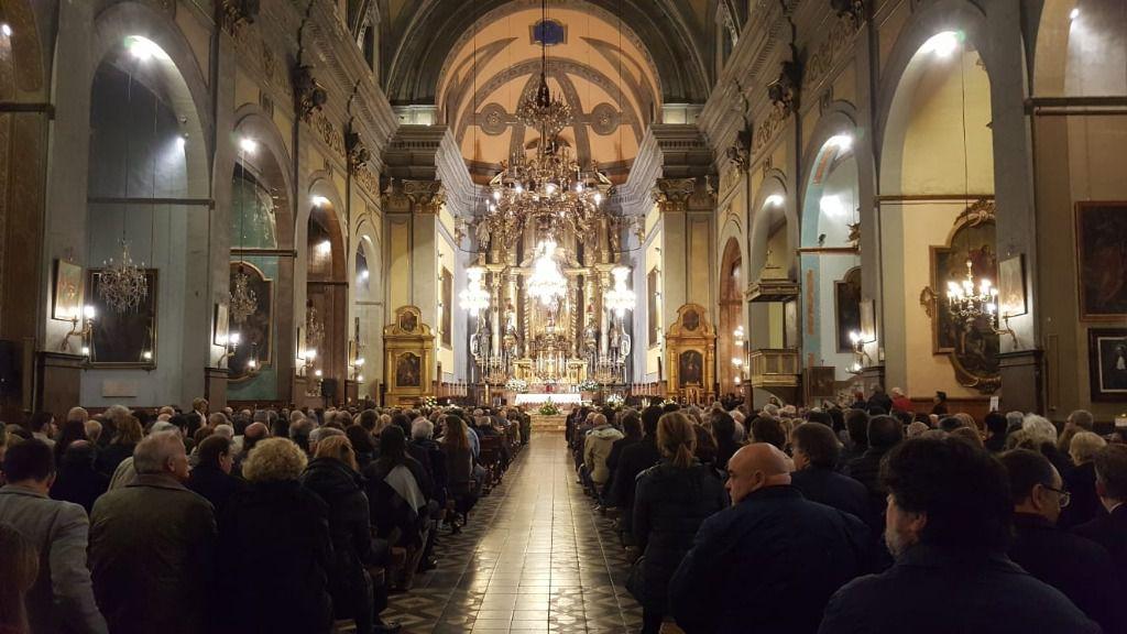 Multitudinario último adiós a Pedro A. Serra en la parroquia de Sant Bartomeu de Sóller