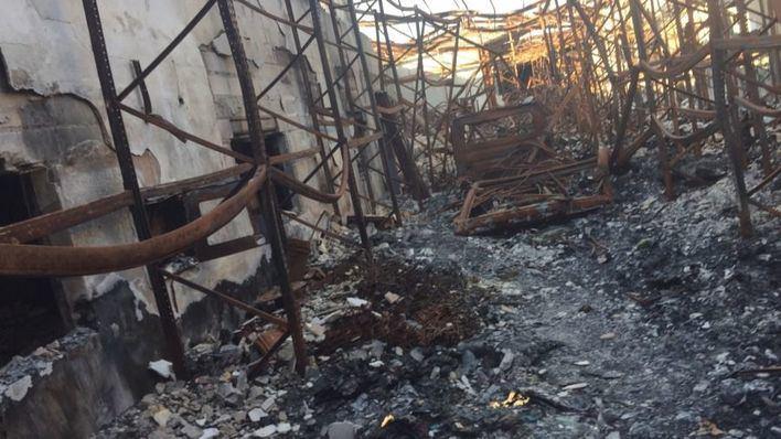 El Gob alerta del amianto acumulado tras el incendio de las naves de Marratxí del año pasado