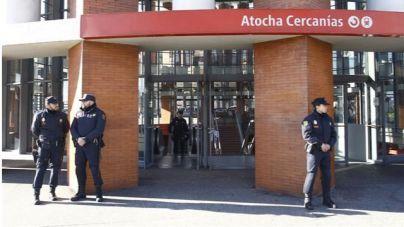 Una falsa alarma de explosivos provoca el desalojo de Atocha y Sants