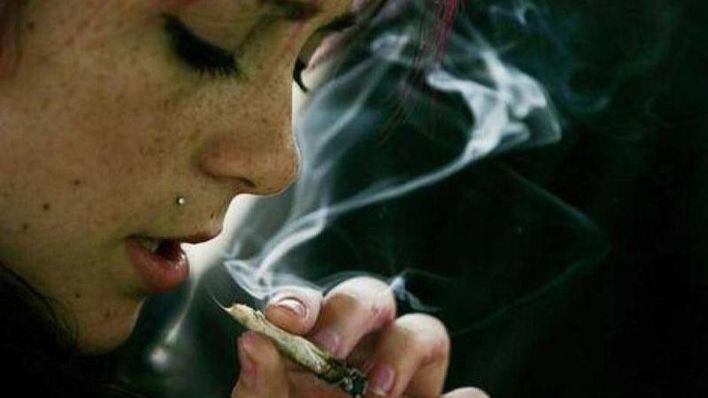 Los jóvenes que consumen cannabis tienen más riesgo de sufrir esquizofrenia