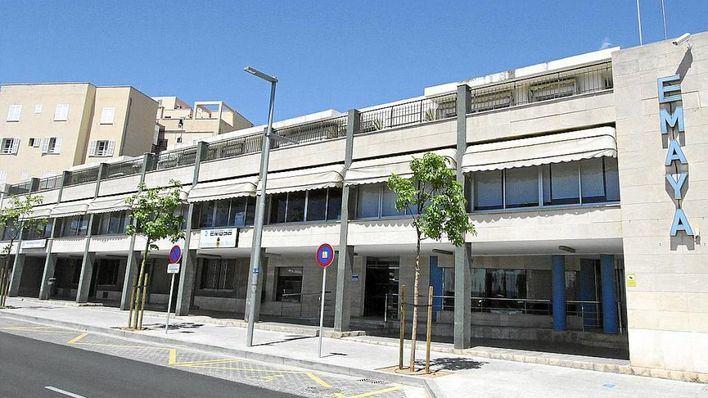 Emaya detecta siete titulaciones falsas en las oposiciones y despedirá a cuatro empleados