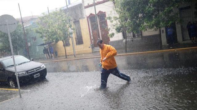 1.800 evacuados a causa de las inundaciones en Argentina