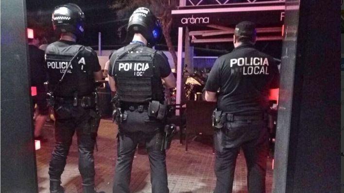 Cort prevé equipar con cámaras a los policías locales en 2019