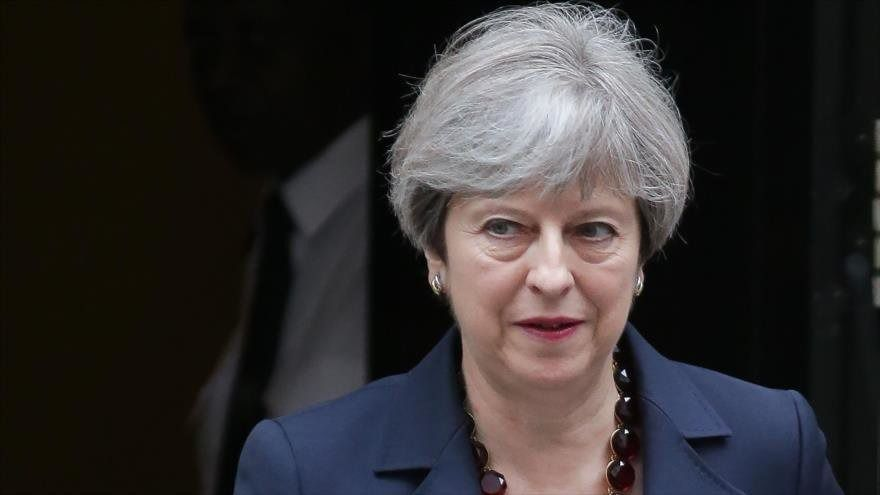 Theresa May avisa que no piensa dimitir