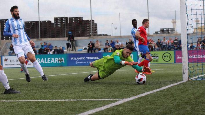 Hugo Díaz salva al Baleares en un partido de infarto contra el Teruel