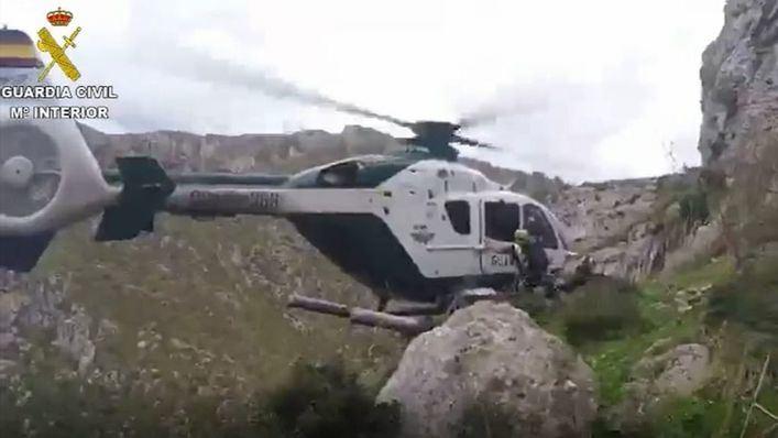 La Guardia Civil rescata en helicóptero a dos excursionistas españoles cerca de Betlem