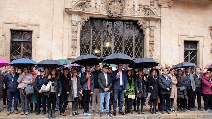 Las autoridades de Baleares guardan un minuto de silencio en recuerdo de Sacramento Roca