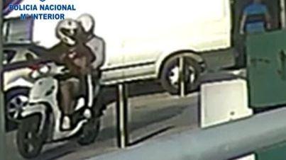Los ladrones actuaban en una moto
