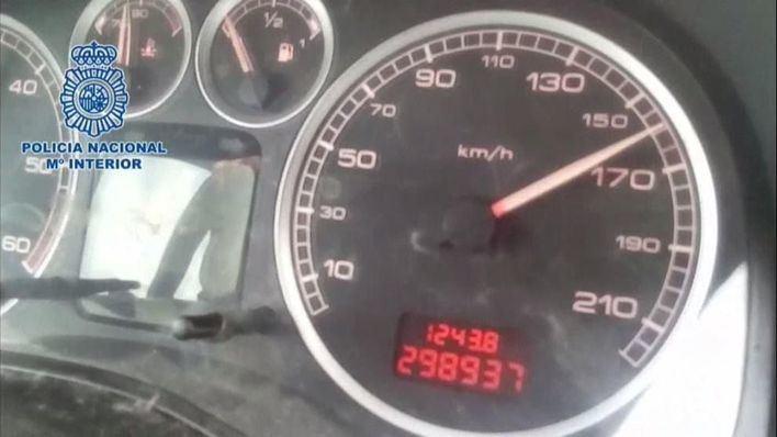 Detenido un menor a 160 kilómetros por hora mientras su padre le graba