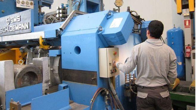 El negocio industrial cae un 4,4 en Baleares y el de los servicios un 1,5