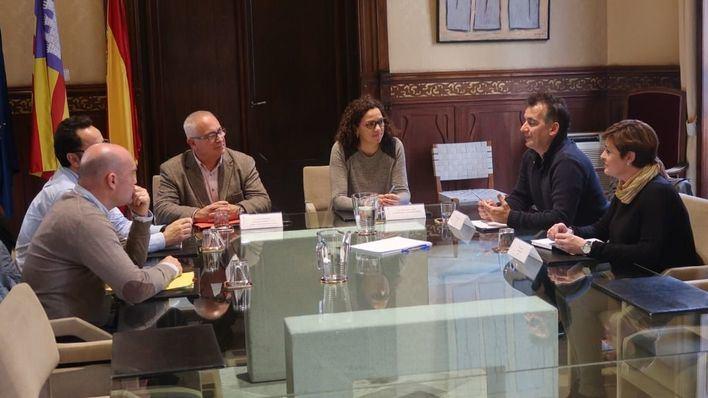 La Conselleria de Hacienda y la Felib impulsarán conjuntamente los planes municipales de emergencias
