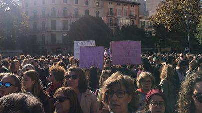Más de 2.000 personas claman en Palma contra la violencia machista