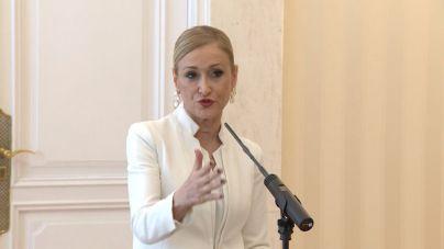La jueza procesa a Cifuentes por su máster en la Rey Juan Carlos