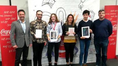 Coca-Cola entrega el libro ilustrado a los ganadores de los certámenes literarios