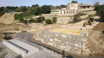 Ingenieros del Ejército tienden un puente de 15 metros en Artà este domingo