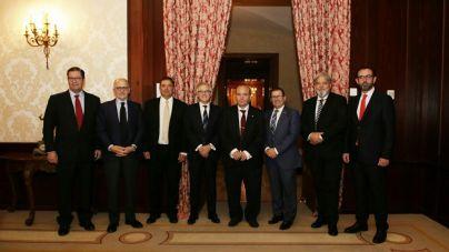 Los economistas de Baleares entregan la Medalla de Oro al fundador de Logitravel
