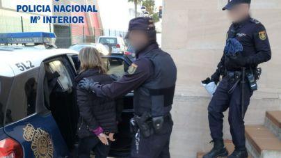 Detenida una pareja de cundas de Son Banya por intentar robar a un consumidor del poblado
