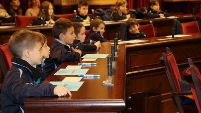 65 niños de Baleares ejercerán de diputados por un día en el Parlament
