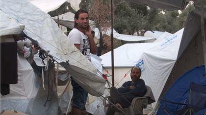 Envían 12.000 pares de zapatos a los refugiados de la isla de Lesbos