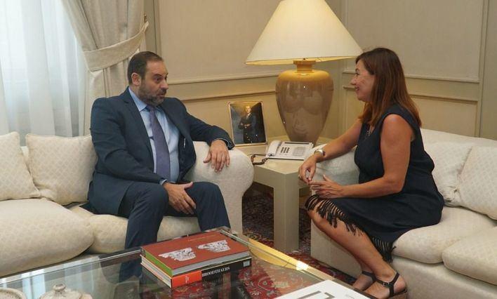 El ministro Ábalos acude a Palma para debatir la subida de tarifas aéreas tras aumentar el descuento