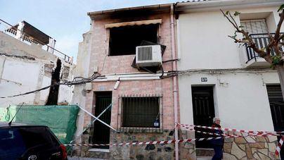Un matrimonio de 70 años muere en un potente fuego en su casa de Alicante