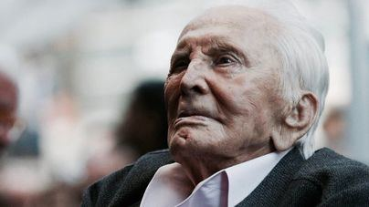 Kirk Douglas cumple 102 años