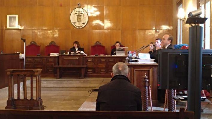 El acusado de asesinar a su mujer, Lucia Patrascu, pide la absolución