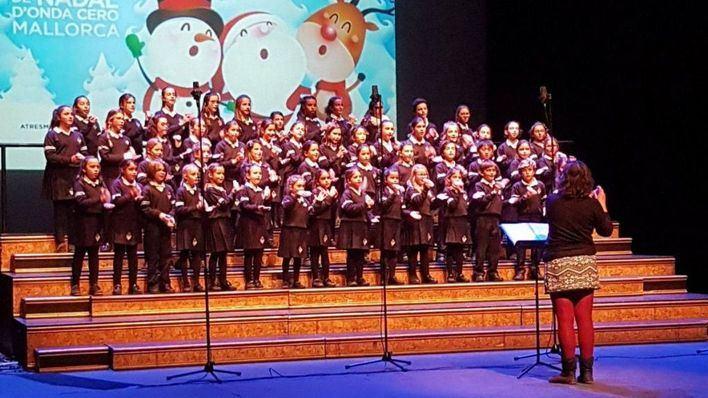 Onda Cero Mallorca celebra el III Festival Escolar de Navidad