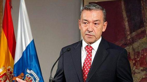 Trasmediterránea ficha al expresidente canario Paulino Rivero