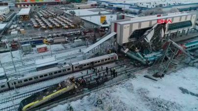 Siete muertos y 46 heridos en un accidente de tren en Turquía