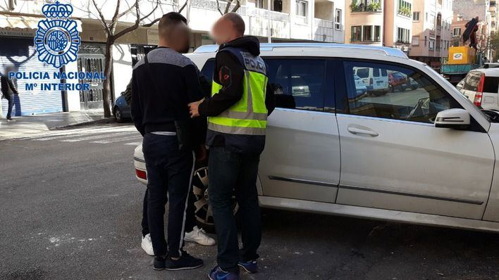 Tres miembros de un clan familiar, detenidos por obligar a una mujer a prostituirse en Palma