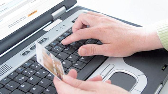 Los ciudadanos de Baleares gastan una media de 1.624 euros al año en compras online