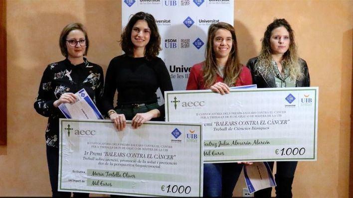 Cuatro alumnos de la UIB ganan los II Premios Baleares contra el Cáncer