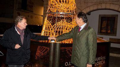 Loterías 'ilumina' la Navidad de Sant Llorenç con el tradicional árbol