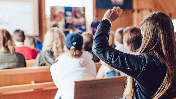 """Baleares presenta """"los peores resultados"""" en educación y la tasa de empleo juvenil más alta"""