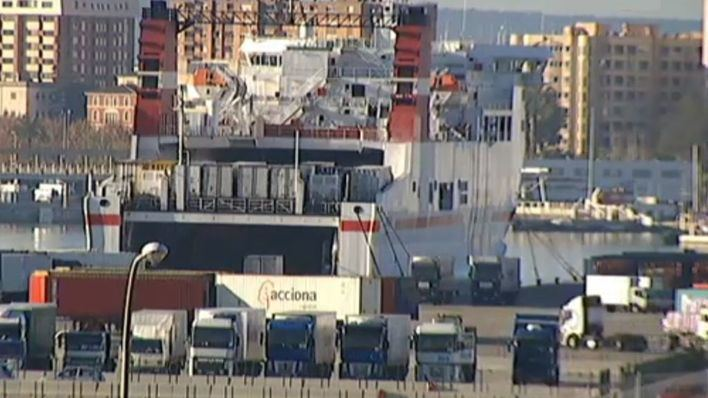 "Denuncian que las navieras ""asfixian a las empresas de transporte"" de Baleares"